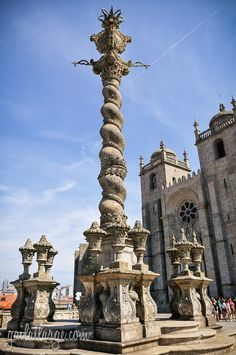Scenes From Porto Cathedral Posted on November 12, 2014 by Gail at Large