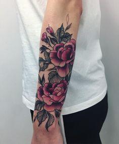 Floral tattoo by karolina skulska tatted & beautiful татуиро Tattoos 3d, 16 Tattoo, Cover Up Tattoos, Rose Tattoos, Leaf Tattoos, Body Art Tattoos, Sleeve Tattoos, Tattos, Scar Cover Tattoo