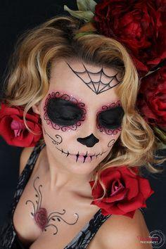 peinado-ondas-suaves-maquillaje-fantasía-domicilio-estudio-fotográfico-madrid-catrina-negra-roja-rosas-lencería-negra-santa-muerte-mejicana-día-muertos hairstyle-soft-waves-makeup-fantasy-photography-studio-catrina-sugar-skull-halloween-dead-day-face-painting-halloween-costume Cute Halloween Costumes, Halloween Makeup, Dead Makeup, Sugar Skull Makeup, Creative Makeup, Costume Makeup, Mascara, Make Up, Hair Styles