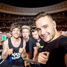 The boys new icon on Twitter! - (4.21.15)