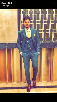 Jassi Gill, Girl Couple, Famous Singers, Swagg, Mens Suits, Superstar, Suit Jacket, Mens Fashion, Blazer
