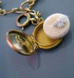 Rare Vintage 14K Gold Charm Bracelet Movable Mechanical Charms..