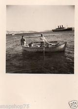 AK481 Photo anonyme vintage pêche fishing bateau barque pointu Mykonos vers 1950