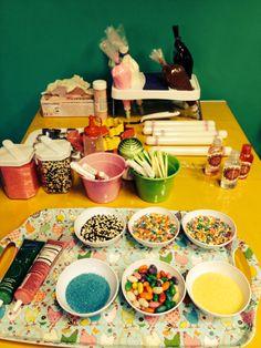 Preparativos para a oficina de gastronomia da Lorena Stibich, na Para Meninas.
