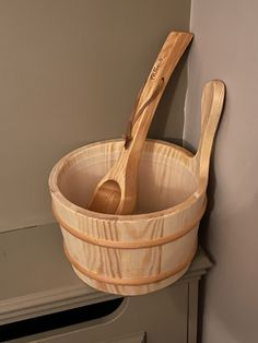 Water Bucket, Serving Bowls, Tableware, Dinnerware, Tablewares, Dishes, Place Settings, Mixing Bowls, Bowls