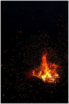 Objkt-Photography: Fire spores Celestial, Photography, Outdoor, Fire, Outdoors, Photograph, Fotografie, Photoshoot, Outdoor Games
