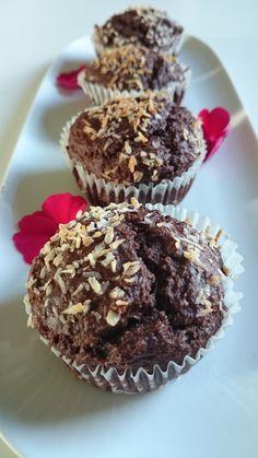 Nyttiga muffins träning choklad banan kokosolja kokosfett Best Dessert Recipes, Candy Recipes, Raw Food Recipes, Fun Desserts, Baking Recipes, Delicious Desserts, Snack Recipes, Healthy Recipes, Healthy Cake