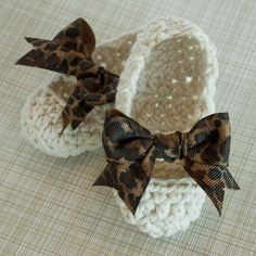 i will make these for little delilah whenever she comes around. she'll be the absolute cutest.