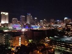 Orlando by night on a 17 story Building doing a power cut for T-mobile #orlando #skyline #photooftheday #picoftheday #nakedplanet #ourplanetdaily #instatravel #welivetoexplore #worldbestgram #beautifuldestinations Rbestoftheday #livecolorfully #instagood #instagreat #landscape #naturalbeauty #beautifulearth #earth #planet #landscape #natureporn #adventure #getoutsider #exploremore #naturegram #naturephotography #colors Natural Beauty from BEAUT.E