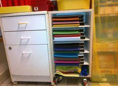 Gekleurd papier makkelijk opbergen.