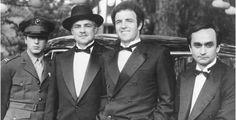 """""""Photo: Al Pacino, Marlon Brando, James Caan, John Cazale-the Godfather Corleone Boys. Al Pacino, Marlon Brando, Marlon James, Godfather Part 1, Godfather Movie, Godfather Quotes, Corleone Family, Don Corleone, Film Fr"""