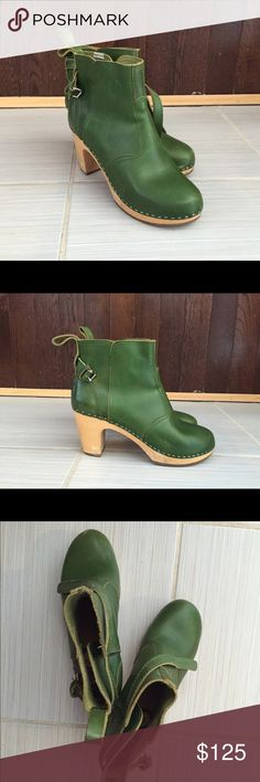 Swedish Hasbeens classic ankle boots A lovely pair of green leather and wood shoes made in Italy. Light wear. Swedish Hasbeens Shoes Ankle Boots & Booties