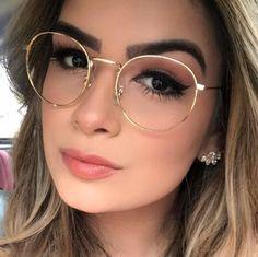 a8e0cca60 Fotos Com Oculos, Armações De Óculos, Vidros Bonitos, Meninas Com Óculos,  Moda