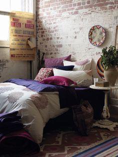 #quarto #almofadas #roxos #rosas #vermelhos