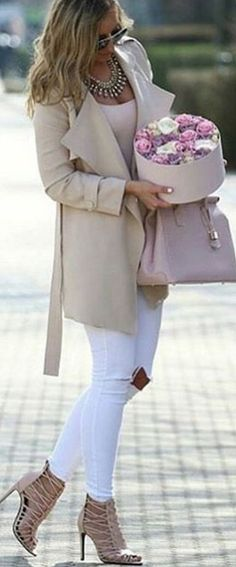 #spring #summer #highstreet #outfitideas | Nudes + White