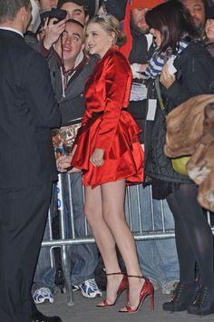 Browse photos of Chloë Grace Moretz Top Model Poses, Chloe Grace Moretz Feet, Cute Girl Dresses, Kylie Minogue, Perfect Woman, Sexy Women, Celebs, Fashion Outfits, Breakfast At Tiffanys