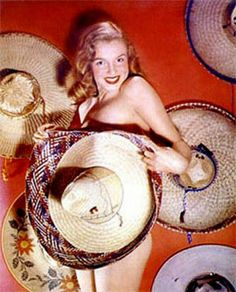 1948. Marilyn by Laszlo Willinger. Más