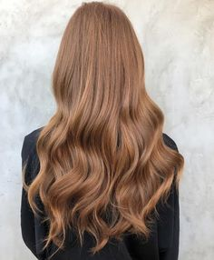 Brown blonde hair color 151353 fall hair color trends & ideas for a new look in 2018 Honey Brown Hair, Brown Blonde Hair, Brown Hair With Highlights, Hair Color Highlights, Light Brown Hair, Brown Hair Colors, Brunette Hair, Hair Colour, Level 7 Hair Color