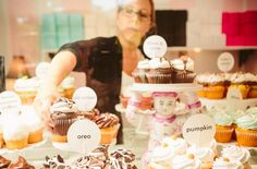 cupcake shop display