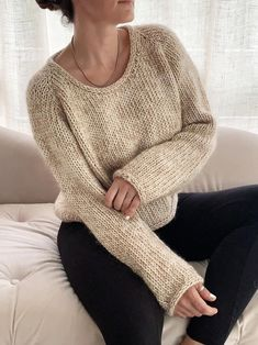 Knitting Pattern - The Daily jumper is an intermediate skill level project. It is worked in stockinette stitch from the top down. The sweater is a bit boxy, slightly cropped and has a an i-cord finish around all edges. Two neck finishing options are included. Written in American knitting terms Jumper Knitting Pattern, Jumper Patterns, Knit Patterns, Knitting Terms, Circular Knitting Needles, Circular Knitting Patterns, I Cord, Super Bulky Yarn, Baby Alpaca