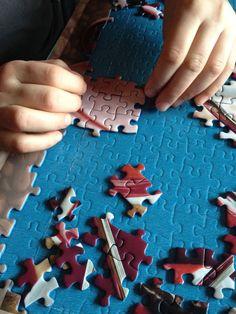 Wie die Mutter so die Tochter, freut sich riesig wenn sie ein Teil gefunden hat Convenience Store, Puzzle, Awesome Things, Daughter, Convinience Store, Riddles, Puzzles, Puzzle Games, Quizes