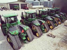 Jd Tractors, John Deere Tractors, John Deere Equipment, Heavy Equipment, Construction Humor, John Deere Combine, Tractor Accessories, Video Game Rooms, Farm Toys