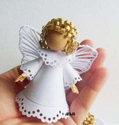 Pretty Christmas Angels hand paper quilled by Karen Miniaci - SalvabraniImage gallery – page 692709986412850326 – unique angel ornaments for kids that you'll love to take a look at – ArtofitAlberta Hoff's media content and analytics Quilling Patterns, Quilling Designs, Paper Quilling, Christmas Tree Angel, Christmas Crafts, Christmas Decorations, Christmas Ornaments, Handmade Angels, Quilling Christmas