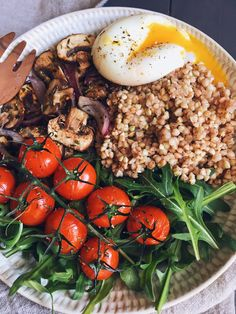 Buckwheat Power Bowl. This page is in another language. I just like its use of buckwheat in place of rice or Beans. Breakfast or lunch
