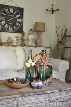 On the Back Porch with Kathleen of Faded Charm - Cedar Hill Farmhouse Country House Interior, Home Interior Design, Modern Country, Vintage Country, Country Farmhouse, Country Living, Farmhouse Decor, Living Room Designs, Living Room Decor