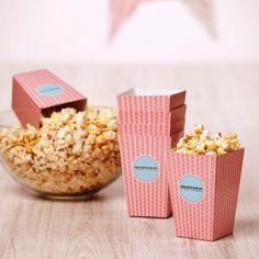 retro Popcornkartons 12er Set - für Partys oder Hochzeiten // retro popcorn paper cups with stripes for weddings and partys.