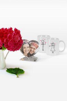 Bist du auf der Suche nach einem persönlichen, liebevollen und kreativen Valentinsgeschenk für deinen Freund/deine Freundin? Wir schenken dir noch bis 14.02.2019 25% Rabatt auf ausgewählte Fotogeschenke, viele davon in Herzform ;). Mugs, Tableware, Photo Calendar, Valentines Day, Searching, Creative, Dinnerware, Tumblers, Tablewares