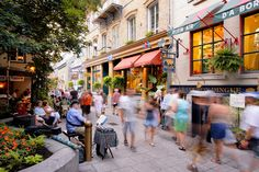 Picture of crowded street in Quebec City, Canada