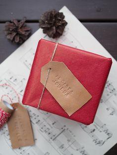 Leather Gift Tags / Pakettikortti nahasta