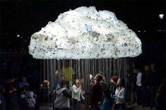 Interaktive Wolke aus 6.000 Glühbirnen