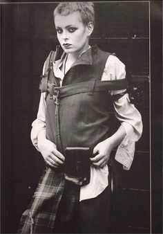 * Vivienne Westwood's SEDITIONARIES Clothe's Collection - one way to wear it Deluxe First Edition Autumn 1977 Photography: Ku Khanh