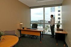 Day office, it can be rented by the hour, day or monthly.