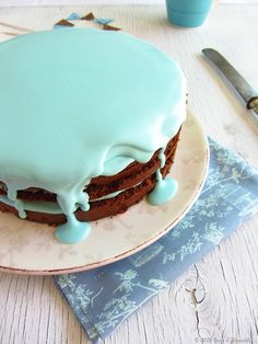 Coco e Baunilha: Chocolate & mascarpone layer cake… blue!