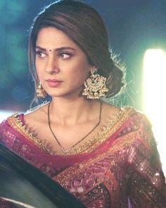 Indian Tv Actress, Queen Fashion, Jennifer Love, Jennifer Winget, Indian Dresses, Indian Beauty, Hairstyle, Glamour, Actresses