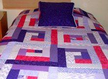 Cubrecamas, pieceras y conjuntos trabajadas en patchworks. Quilts, Blanket, Bed, Design, Home, Bedspread, Toss Pillows, Fabrics, Bed Feet