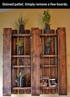 pallet shelves - Recycled Pallet Furniture Ideas and Pallet Projects Old Pallets, Wooden Pallets, Plastic Pallets, Wooden Sheds, Wood Crafts, Diy Crafts, Homemade Crafts, Fall Crafts, Bois Diy