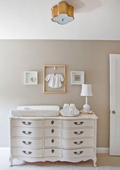 quarto de bebê marrom suave