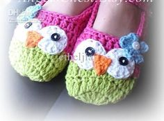 Adorable Owl Slippers.  @Emileigh Latham  You need to make these for me!  :)