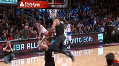 Dwyane Wade and East Bench React to Awesome Jordan Kilganon Dunk
