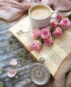 Coffee And Books, I Love Coffee, Coffee Art, Book Wallpaper, Flower Wallpaper, Flower Aesthetic, Book Aesthetic, Good Morning Coffee, Coffee Time
