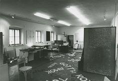 Belvedere - Ausstellungen Art Studios, Artist At Work, Conference Room, Zero, Artists, Home Decor, Exhibitions, Homemade Home Decor, Meeting Rooms