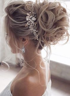 Long Hair Wedding Styles, Wedding Hairstyles For Long Hair, Wedding Hair And Makeup, Hair Makeup, Simple Bride Hairstyles, Quince Hairstyles, Chic Hairstyles, Prom Hairstyles, Bun Hairstyle