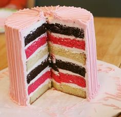 6 layer cake - Neapolitan!