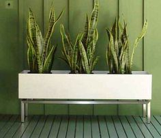 Modern planter. I quite like this. I have no idea where to get one.