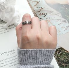 #angelheartrings #angelring #heartring #ringwithwings #aestheticring Vintage Heart, Vintage Rings, Aesthetic Rings, Aesthetic Outfit, Angel Wing Ring, Heart With Wings, Feather Ring, Statement Jewelry, Fashion Rings