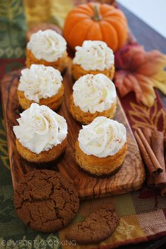 The Comfort of Cooking » Mini Pumpkin Cheesecakes with Gingersnap Crusts